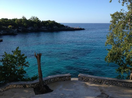 Alvynegril Guest House: Morning view from the veranda