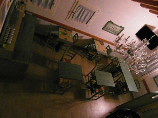 Villa Myosotis : Angolo colazione - Foto dal Soppalco