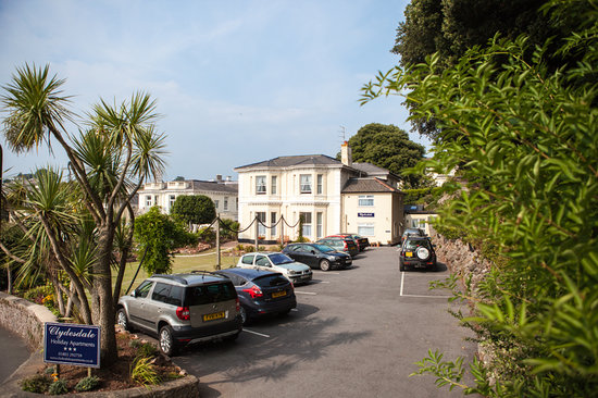 Clydesdale Apartments : Private Car Park