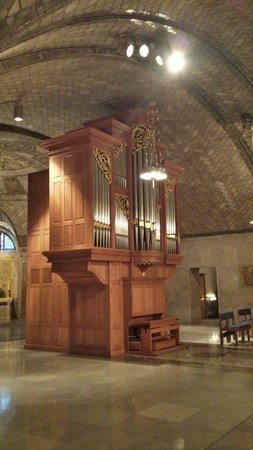 Basilica of the National Shrine of the Immaculate Conception: Organ near crypt