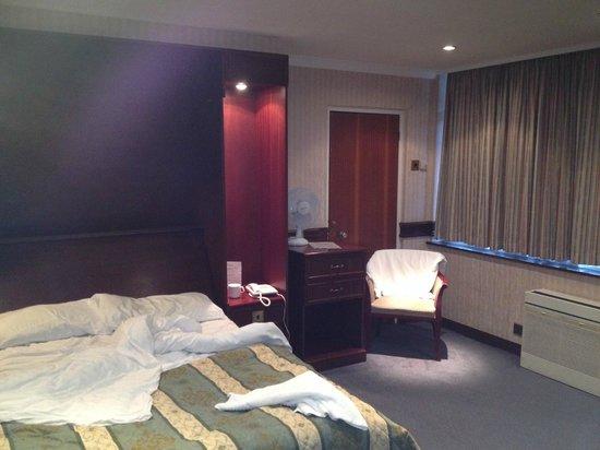 Master Robert Hotel: Bedroom_4
