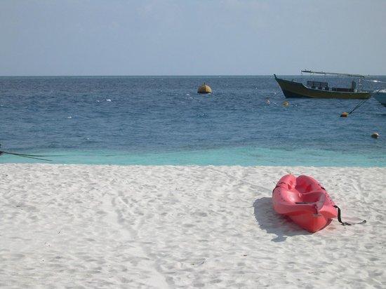 Asdu Sun Island: Zona canoe