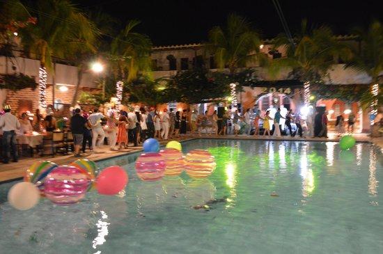 Hotel Mariscal Robledo: Tren! Fiesta 31 de Diciembre 2013