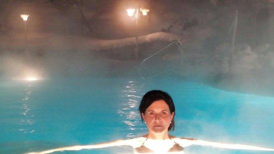 """Hotel Sonklarhof: Non ti stanca mai 2 !!!! ......la piscina da """"MILLE ED UNA NOTTE"""" ecco la prova Antonella e Mi"""