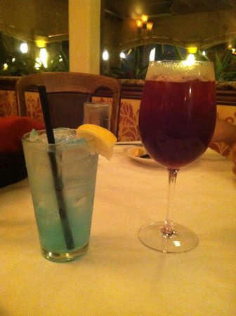 Rosa's Italian Restaurant: Electric lemonade and Sangria
