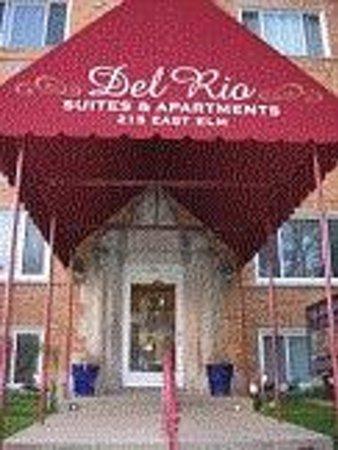 Del Rio Suites & Spa : Front Entrance