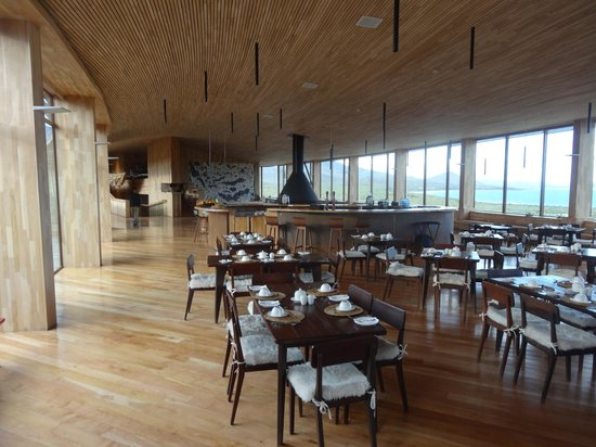 Tierra Patagonia Hotel & Spa: Dining room & Bar