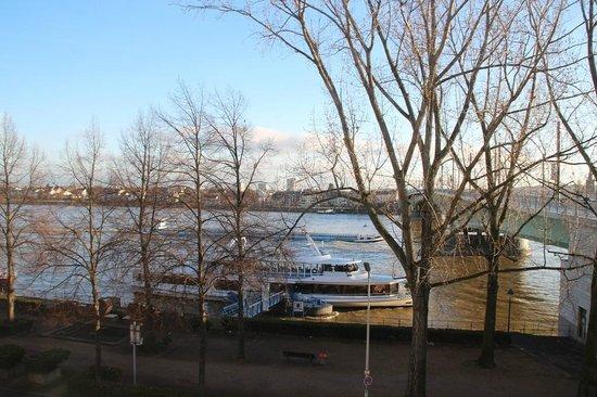 Hilton Bonn Hotel: Blick aus dem Fenster