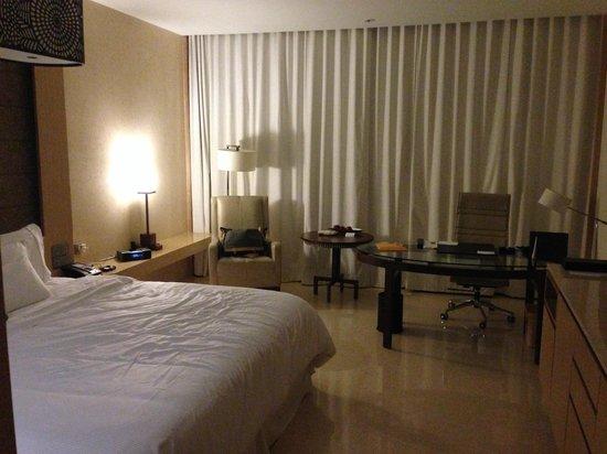 The Westin Gurgaon, New Delhi: Room