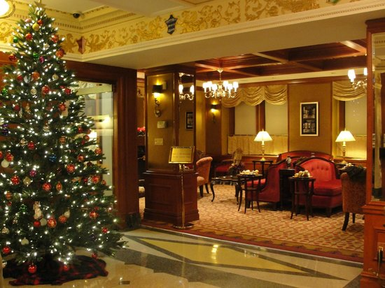 The Milburn Hotel : lobby