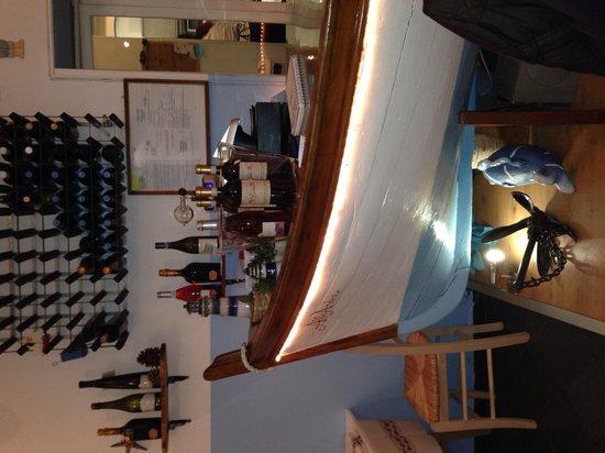 Portivene  Un Mare di Sapori : Il bancone.. Veramente una nota caratteristica del ristorante