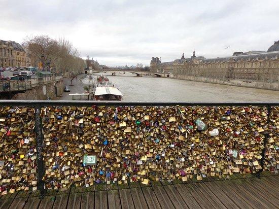 SANDEMANs NEW Europe - Paris: Ponte do Amor (Ponte dos cadeados)