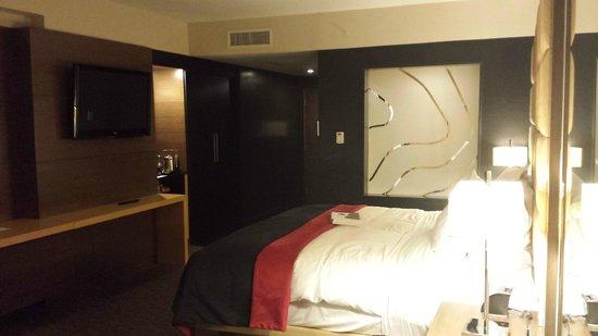 Le Meridien Panama: Excellent room space