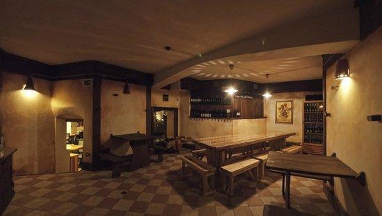 Pizzeria La vecchia Fornace : sala enoteca