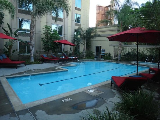 Outdoor Swimming Pool Hot Tub Picture Of Doubletree By Hilton Hotel Los Angeles Commerce
