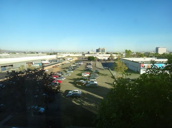 Doubletree by Hilton Hotel Los Angeles - Commerce: View from room