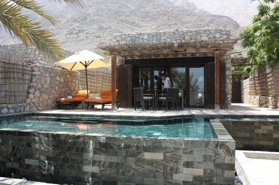 Six Senses Zighy Bay: Vue villa de l'extérieur