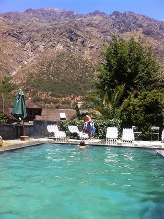 Hotel Altiplanico Cajon del Maipo: En la piscina