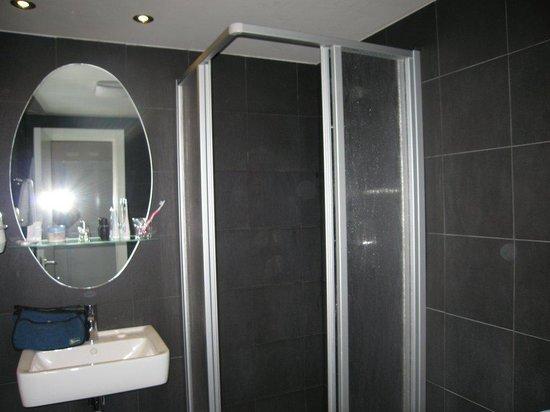 My Hotel Apollon : Bathroom