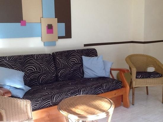 Hotel Coronas Playa: suite furnishings