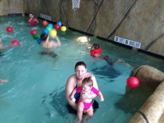 Quality Inn & Suites Palm Island Indoor Waterpark: Enjoying the warm water on a freezing cold day