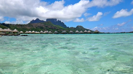 InterContinental Bora Bora Le Moana Resort : view from the canoe we took out