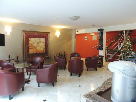 Hotel Runcu Miraflores : Estar do hotel