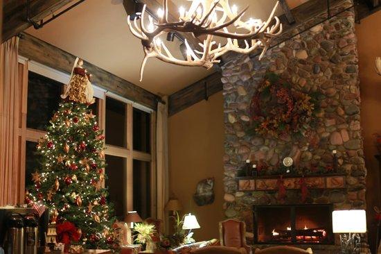 Grouse Mountain Lodge: Lobby area