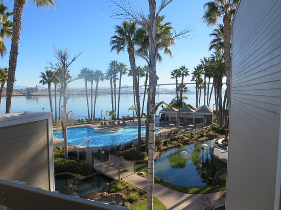 Coronado Island Marriott Resort & Spa: pool and grounds view from 2nd
