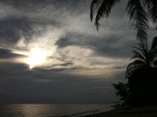 Chantaramas Resort : coucher de soleil sur la plage