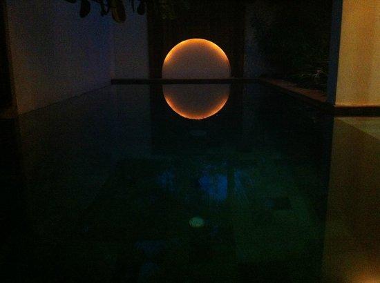 Chantaramas Resort : notre piscine privée, de nuit !