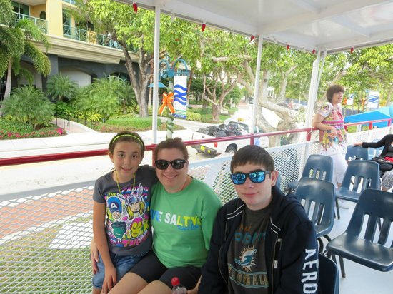 Carrie B Cruises: family oic