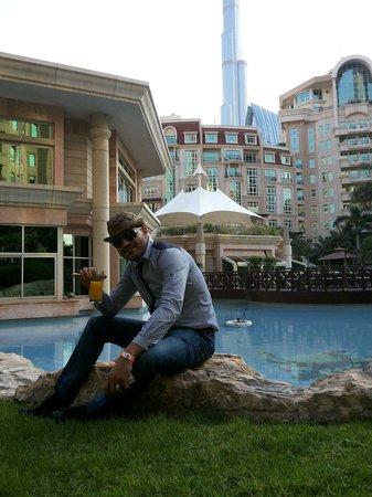 Al Murooj Rotana: Nice pools