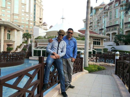 Al Murooj Rotana: Amazing place