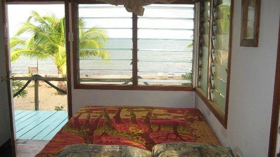 Jungle Jeanie's by the Sea : Sea Breeze North-what a view to wake up to!