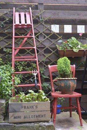 Richmond Cottage: garden