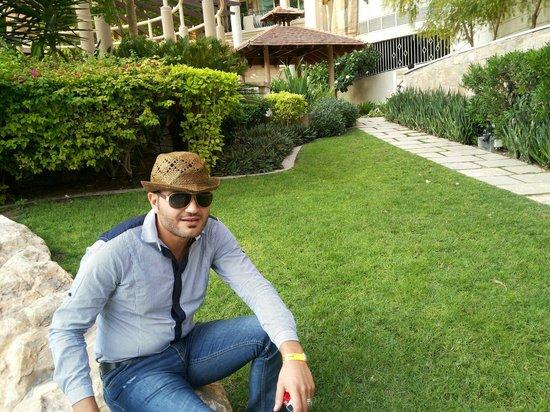 Roda Al Murooj: Nice gardens