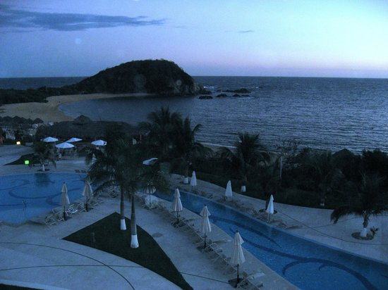Secrets Huatulco Resort & Spa : The ocean from the 3rd floor in building 5