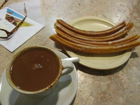 Churros & Hot Chocolate - Photo de El Moro, Mexico - TripAdvisor