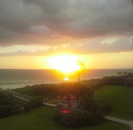 Lands End, Condominium: Sunset