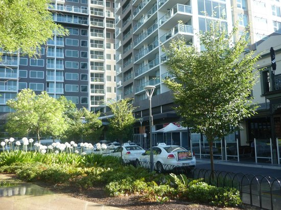 Pullman Adelaide: Nice to be beside a park in the city of Adelaide with Crowne Plaza