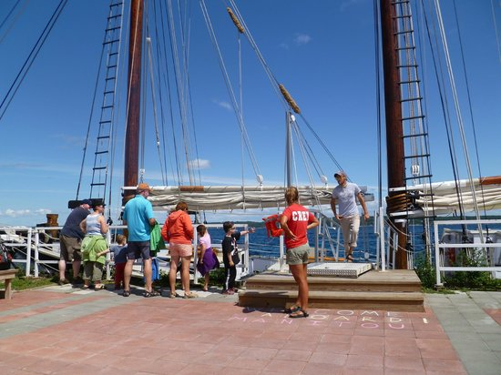 Tall Ship Manitou - Day Tours: As we board