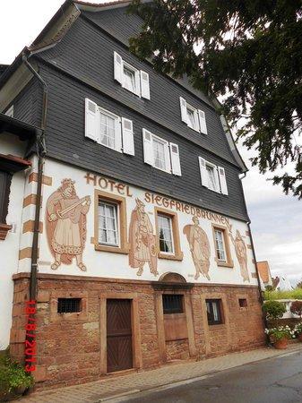 "Ringhotel Siegfriedbrunnen: Front des ""Alt-Baus"""