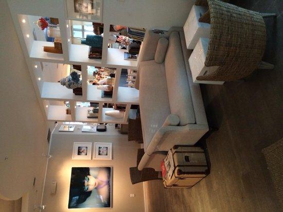Sense Beach House: The lounge area