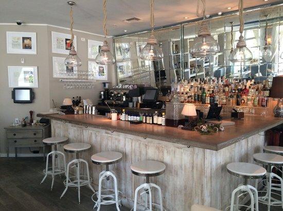 Sense Beach House : The bar