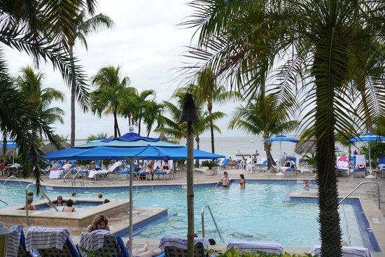 Key Largo Bay Marriott Beach Resort: Back to pool to beach