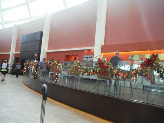 Aruba Marriott Resort & Stellaris Casino: The lobby cafe
