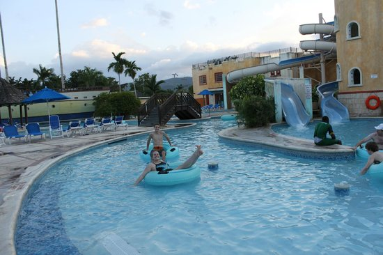 Sunscape Splash Montego Bay : Waterpark-one of 3 pools