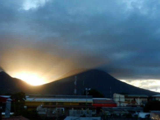 Hotel Las Colinas: Volcano