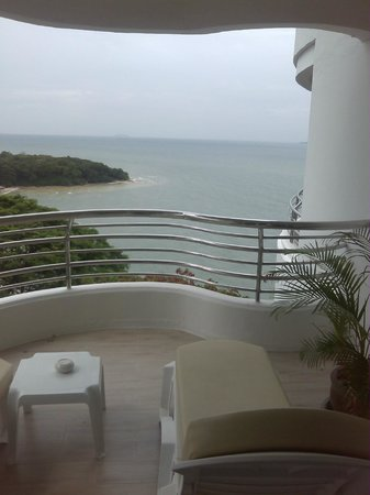 Royal Cliff Beach Hotel : The Room with a Phew..!!!